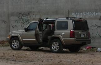 supuesto auto Jeep Commander usado por los sicarios